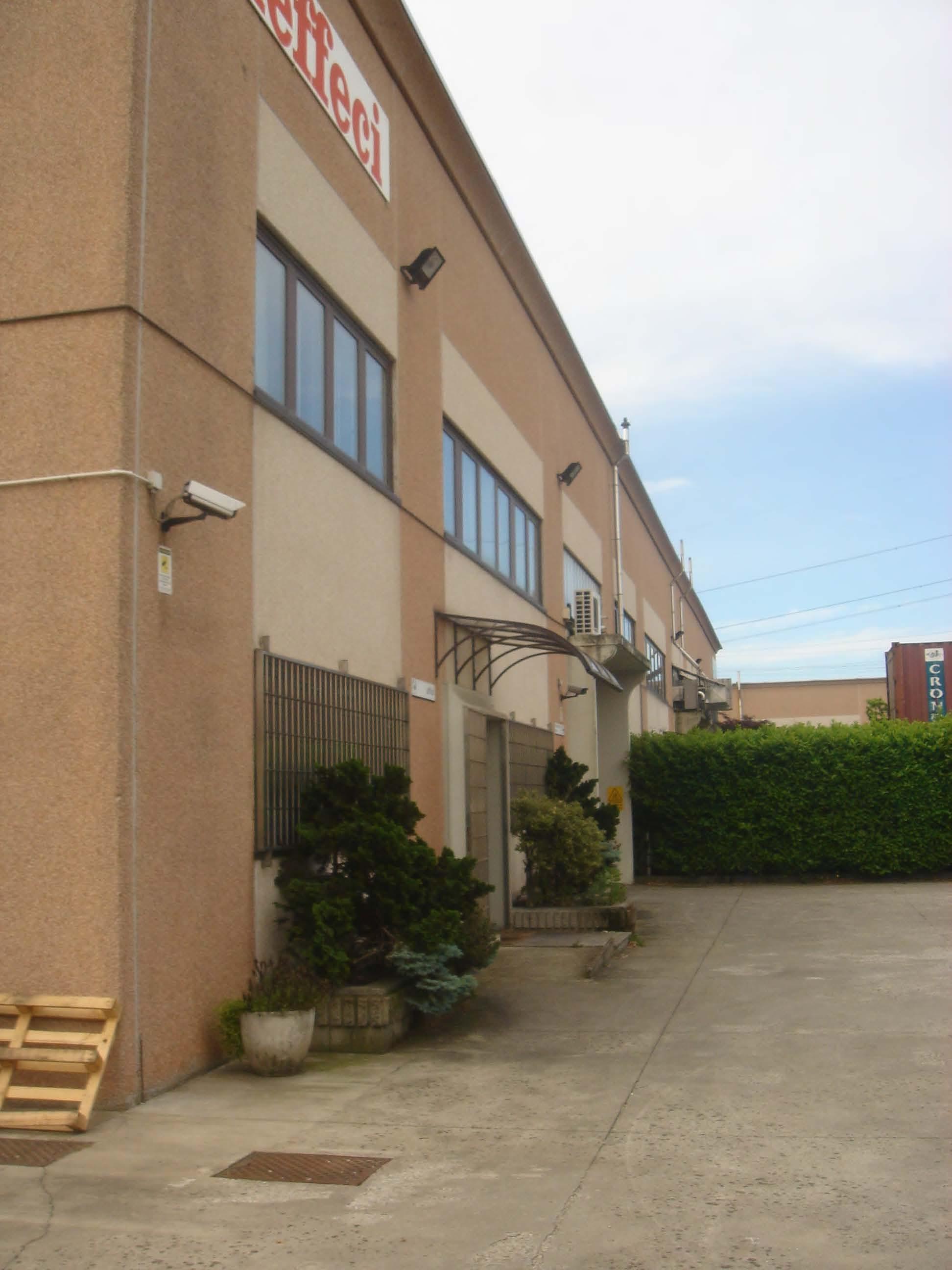 2140 cesano maderno capannone con uffici immobiliare for Immobiliare milano